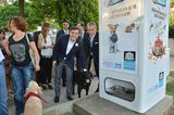 In Istanbul, Stray Dogs Get Their Food From Vending Machines