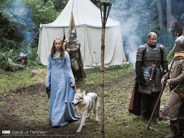 """Game of Thrones"" Actress Sophie Turner Adopts Her Direwolf"