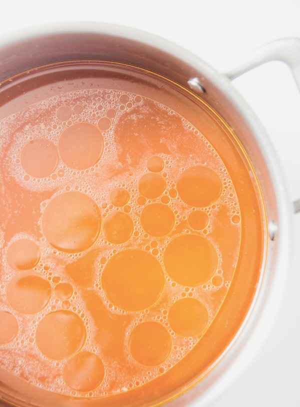 Bone broth by Shutterstock.
