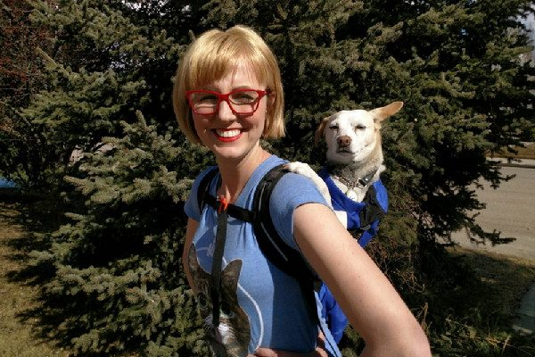 14acc86750bfbb Marshmallow and Her Human Test the K9 Sport Sack Dog Carrier