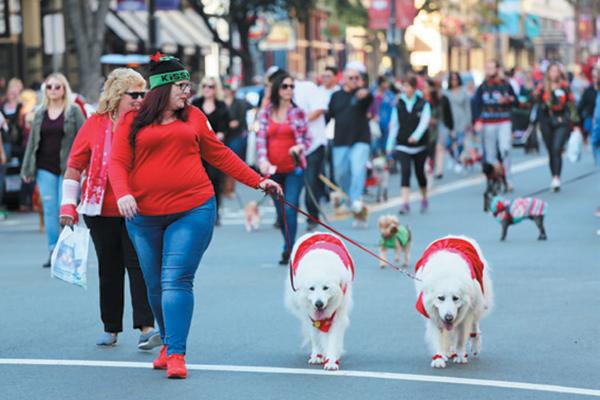Gaslamp Holiday Pet Parade.