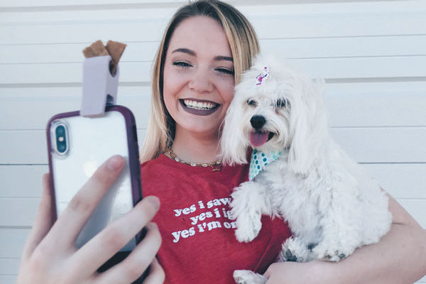 Woofie is a perfect gift for the dog lover who likes to take selfies.
